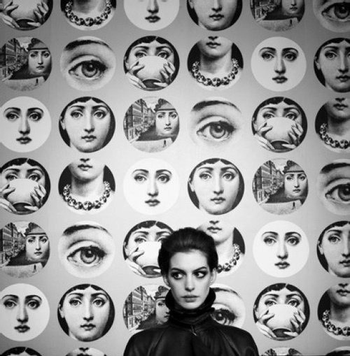 Anne Hathaway and Fornasetti plates