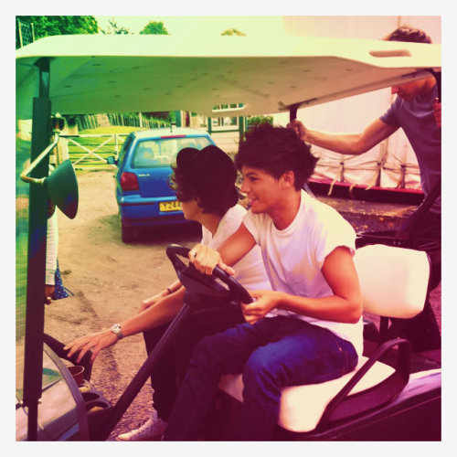 onedirection:  Beware of golf carts.