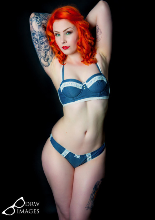ohmygodbeautifulbitches:  Leanne James