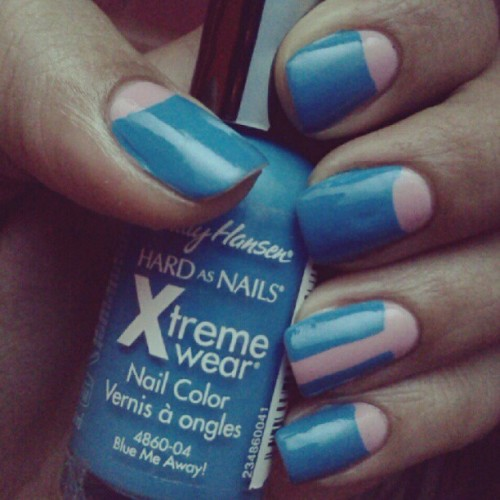 Pink and Blue half moon #manicure using Sally Hansen's Blue Me Away. #ManiMonday #nails #nailart #nailpolishaddict #instanails #NOTD #blue #halfmoon #design #SallyHansen #pink #instagood  (Taken with Instagram)