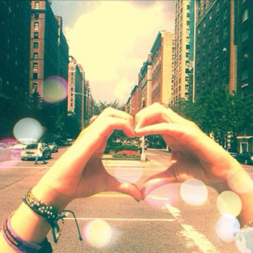 #NYC #handhearts by 'lmercier94' of #Instagram  (Taken with Instagram)