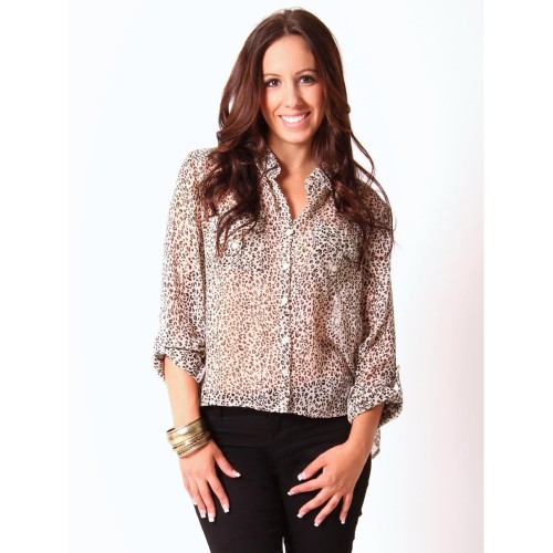 Pick of the Day: Leopard High-Low Blouse Reblog if you would wear this top! Shop here >