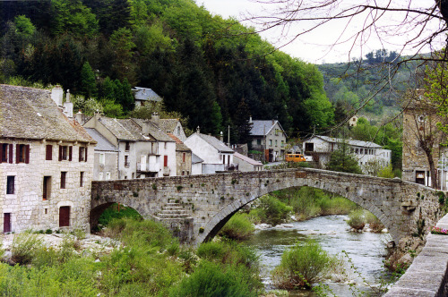 Le Pont de Menvers, Lozère @credits  In the 17th century an incident in the village, the assassination on 24 July 1702 of the repressive abbé de Chayla, sparked the rebellion of the Camisards.