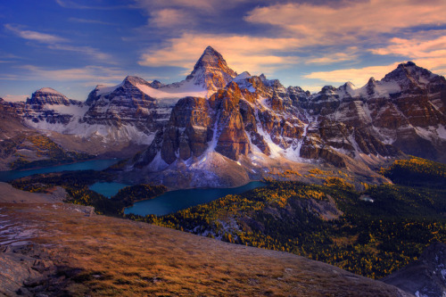 Mt Assiniboine, British Columbia, Canada© kevin mcneal