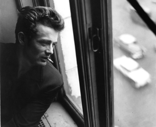 James Dean looks down into the streets of New York