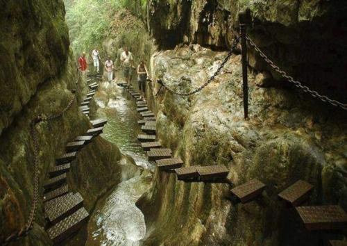 cjwho:  The West Side of Taihang Mountain, Shanxi Province in China…..