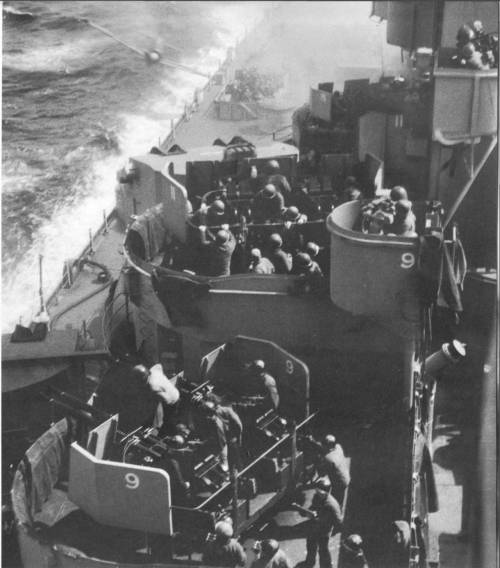 collective-history:  Moments before a Japanese Kamikaze hits the U.S.S. Missouri April 11th, 1945. By sheer luck, the pilots bomb failed to detonate.