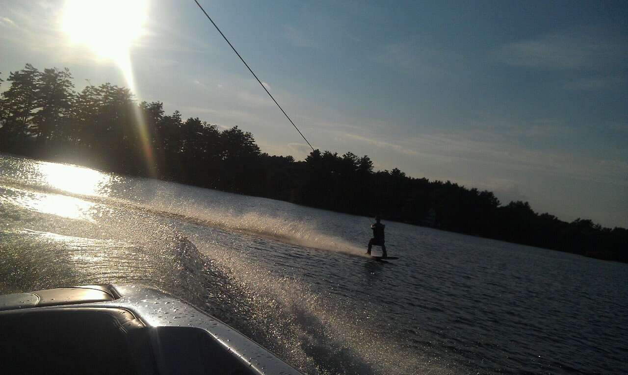 The boat owner going behind his own boat, third time ever wakeboarding!