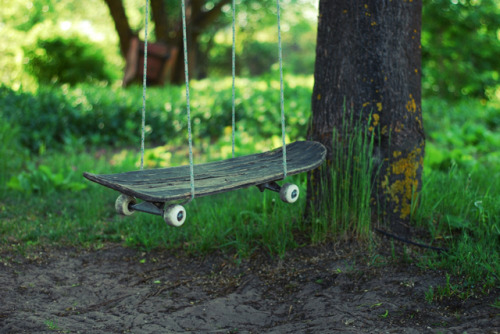 laughingsquid:  Thrashed Skateboard Repurposed as a Swing
