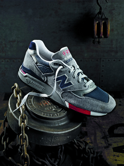 Released in 1993, the NB 998 marked the debut of the world's preeminent shock-absorbing technology, ABZORB®.