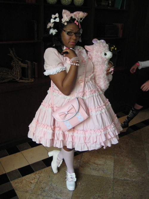 gorgeouspluslolita:   This is me at Atomic lolipop last weekend dress: Ap blouse: handmade Bag: offbrand (loris) socks: offbrand (secret shop) shoes: bodyline Accessories: offbrand! gorgeouspluslolita:  I'm usually a gothic girl myself, but there's just something about this sweet coord that I really love.