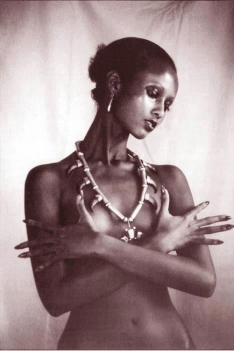 Supermodel Iman circa 1975…a true African inspiration. Good night!