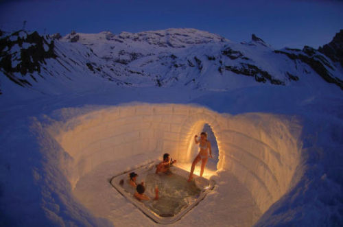 Outdoor jacuzzi on the Matterhorn.