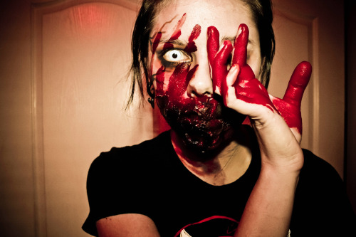 eye see you.  #zombie #blood #horror #gore
