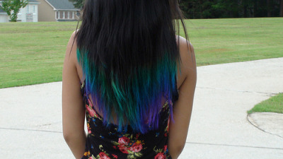 yo5hi:  dip dyed my hair. my hair looks like a peacock.