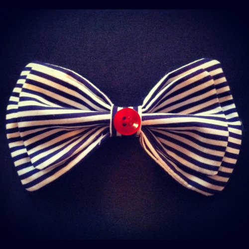 Stripped bow I jut finished so Lina can put it on a cute crocheted hat :)