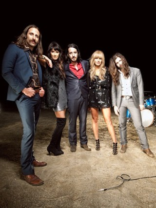 I am listening to Grace Potter & the Nocturnals                                      Check-in to               Grace Potter & the Nocturnals on GetGlue.com