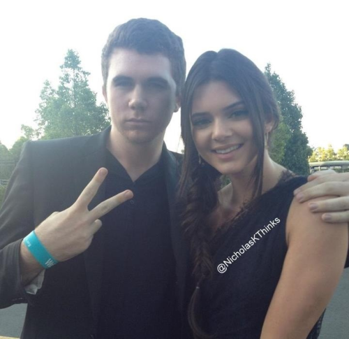 Kendall and a fan at the Teen Choice Awards 2012 x.