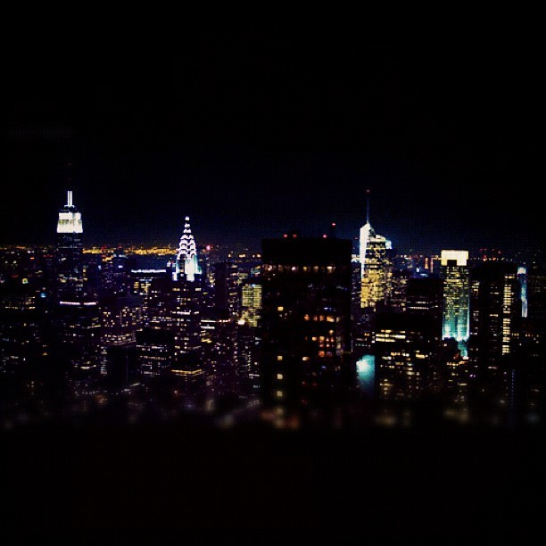 #webstagram #esb #empirestate #empirestatebuilding #empirestateofmind #igers #insta #igdaily #instago #igaddict #midtown #manhattan #ny #nyc #night #newyork #newyorkcity #buildings #skyline #bestoftheday #city #followme #pic #photo #photopic #photooftheday #iphonesia #instagramers #thebigapple #beautifulnight  (Taken with Instagram)