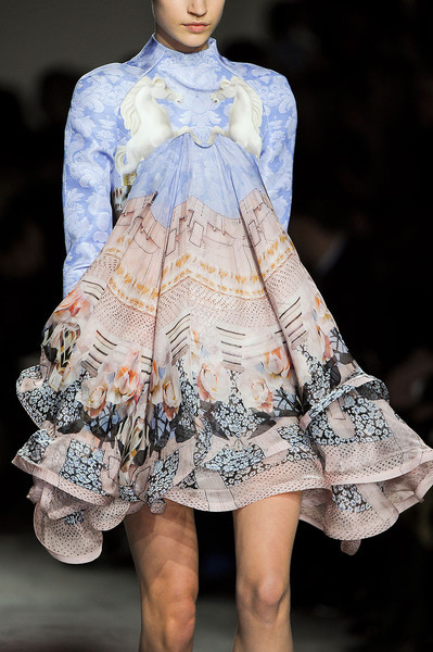 inspirationtocreation:  Mary Katrantzou at London Fashion  Week Fall 2012 (source Imax Tree)