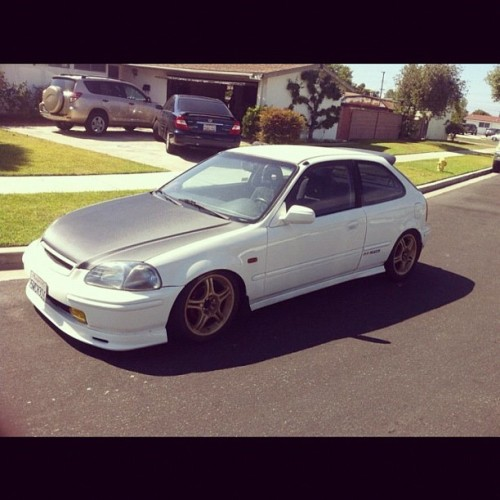 i miss my ek #bestoftheday #honda #civic #stance #racing #cars #iphonesia #iphoneonly #photooftheday #instadaily #instamood #instahub #instagrind #ek #me #sky #low#photooftheday  (Taken with Instagram)