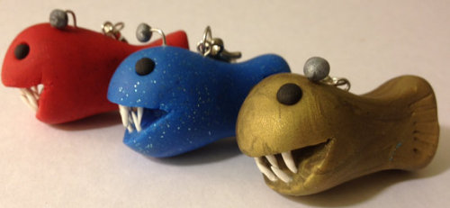 It makes me so happy that so many of you liked my anglerfish keychain! I've expanded the color options available for them, so now you can get blue, red, or gold! :)  (x)