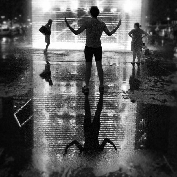 @derekdbarker #blackandwhite #chicago #reflection #fountain #night #awesome (Taken with Instagram)