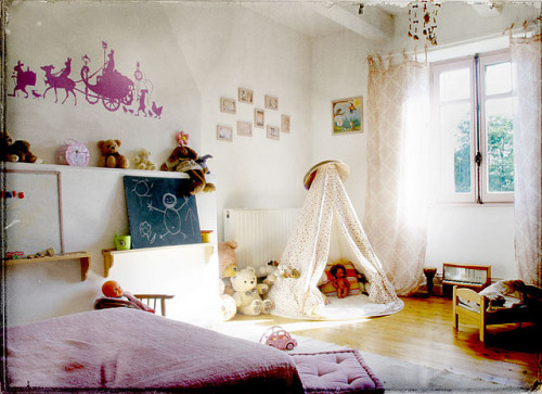 Home sweet home : Thaïs room by fabienbarral on Flickr.