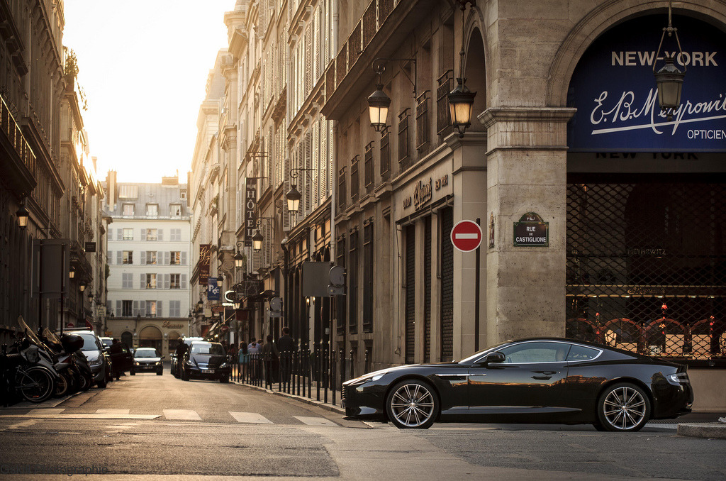 automotivated:  Aston Martin Virage (by Gskill photographie)