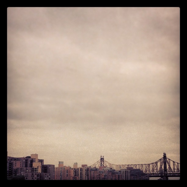 #NYC #Bridge #amazing #Sky #beautiful #bestpic #classic #instagood #instagram #queensburgobridge #life #view #nyc #picoftheday #uppereastside  (Taken with Instagram at Upper Eastside )