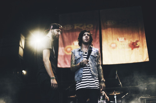 Breathe Carolina (by samdesantis) Slowly getting through all the warped photos. Sorry about all the posting!