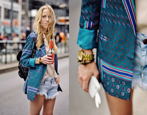 lookbookdotnu:  Paisley print blazer (by Alice Mary)