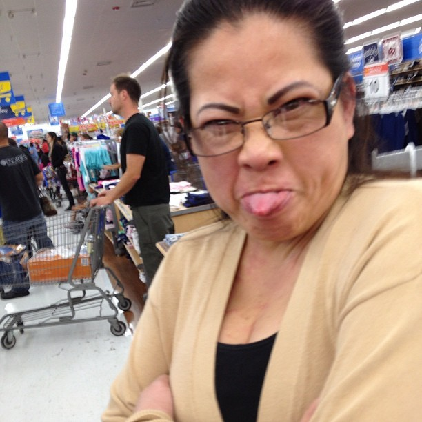 Mother dear 😂😌 #walmart #jerkface #mommy #poop #ibetterlookthatyoungatherage #LOL  (Taken with Instagram)