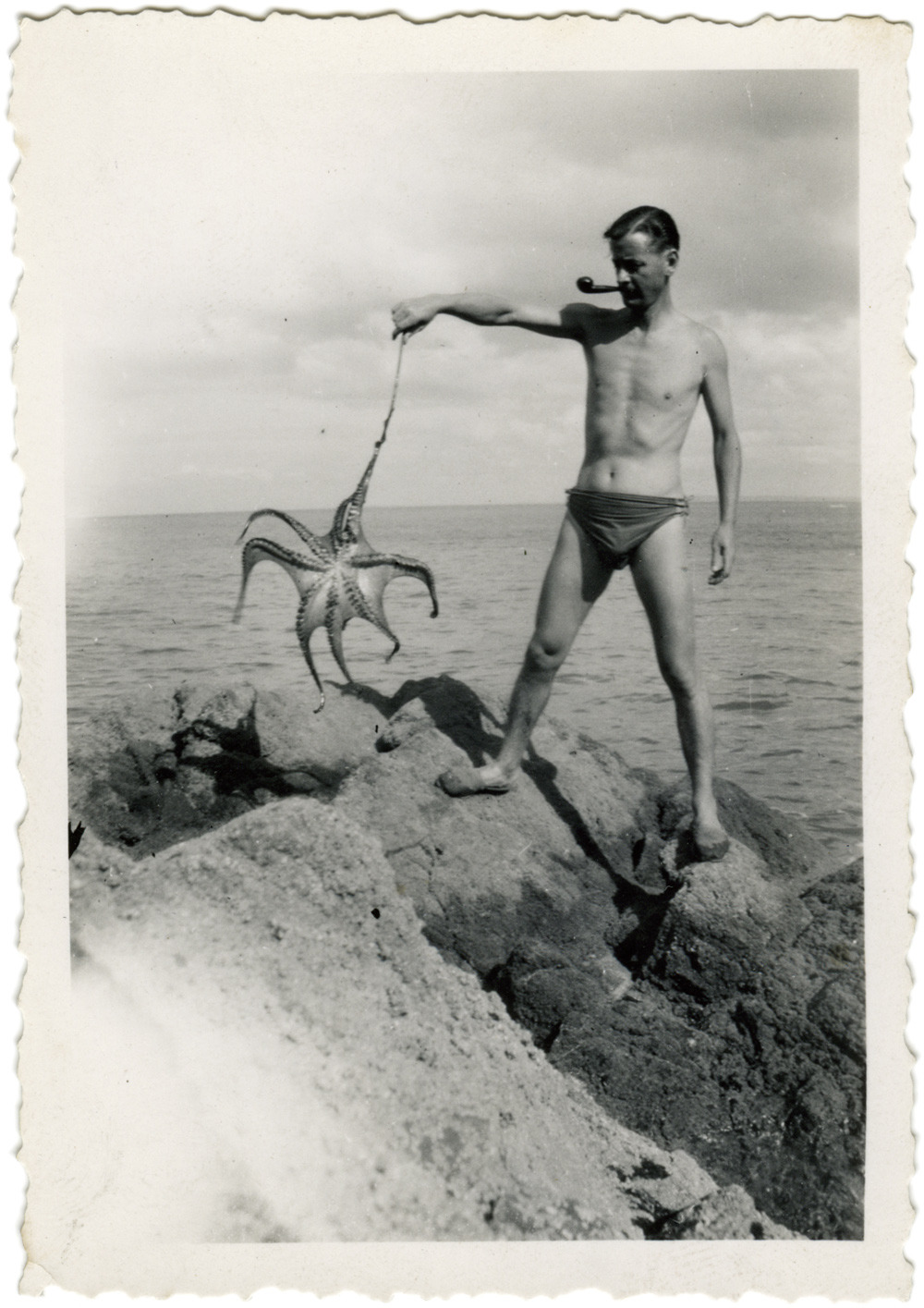 heracliteanfire:  (via Man with Pipe and Octopus « Horses Think)  Tragos-endorsed seaside living.