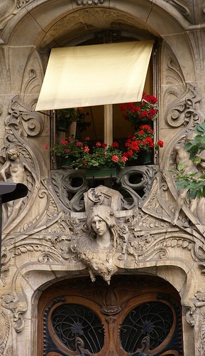 Art Nouveau apartment in paris