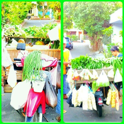 #groceries #vegetable #mobile #vehicle #tukang #sayur #keliling #instagram #instaphoto #instaworld #android #androidphoto #pingram #pingramme #hellogram #instadaily #instacnvs #photooftheday #instago #instagramers #picoftheday #instacanvas #instadaily #instagramhub #gf_daily #gang_family #extragram  (Taken with Instagram)