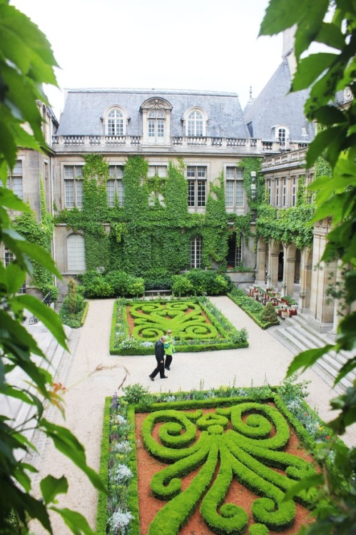 looklikediamonds:  The Musée Carnavalet
