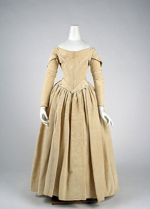 Evening Dress 1840-1845 The Metropolitan Museum of Art