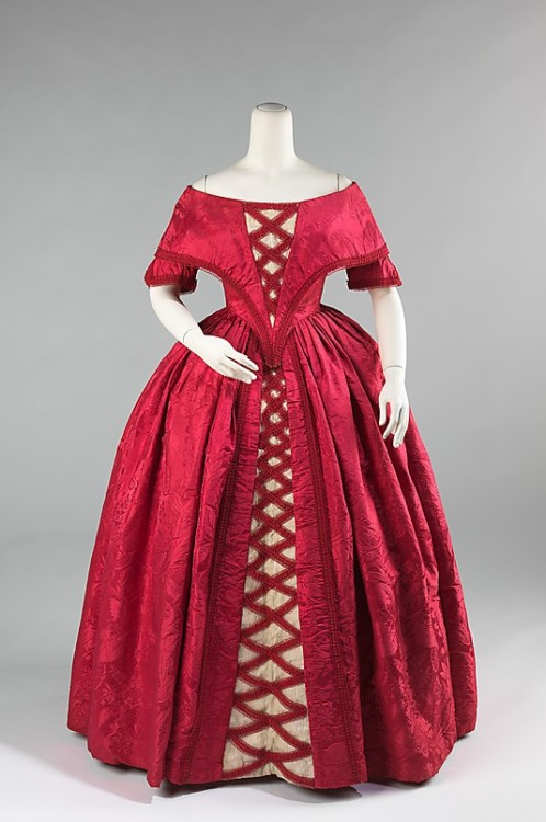 Ball Gown 1842 The Metropolitan Museum of Art