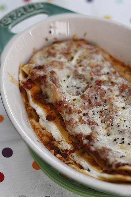 sarcasticclapper:  Lasagna by mila0506 on Flickr.