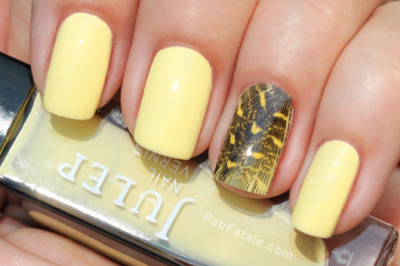 fabfatale:  (via Manicure Mondays – Feather Nails « Fab Fatale)