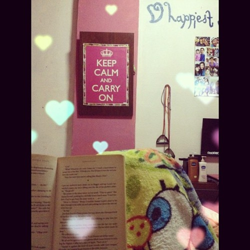 My Tuesday night. #rest #bed #blanket #spongebob #room #book #relax #peace #keepcalm #igsg #calm  (Taken with Instagram)