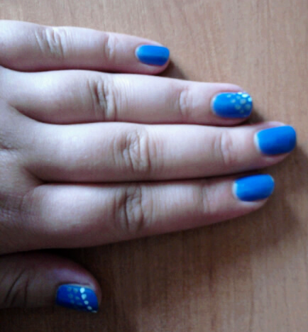 Blue manicure with gray and white dots made by me for my bestfriend - Aga