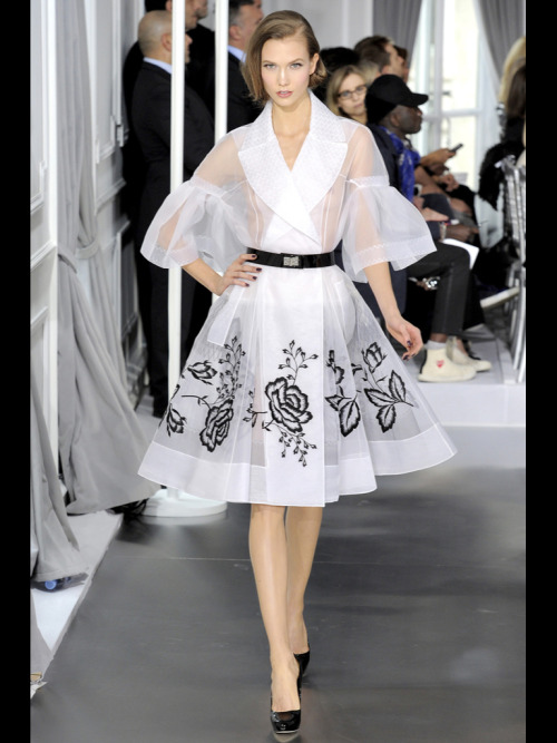 hardcore-elegance:  Karlie Kloss for Christian Dior Spring Couture 2012
