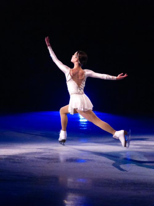 beautiful-shapes:  Sasha Cohen Stars on Ice 2011