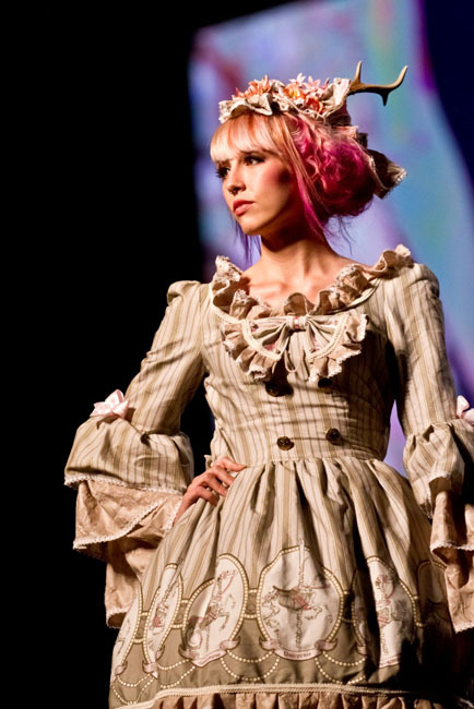 Spaceship Lolita fashion show =)