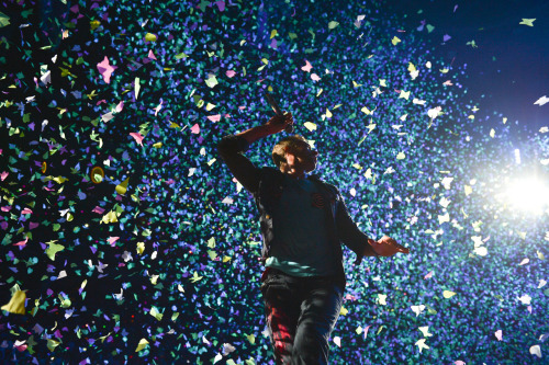 gettyimages:  Chris Martin of Coldplay Performs: Chris Martin of Coldplay performs at Air Canada Centre on July 23, 2012 in Toronto, Canada. Photo by: George Pimentel/WireImage