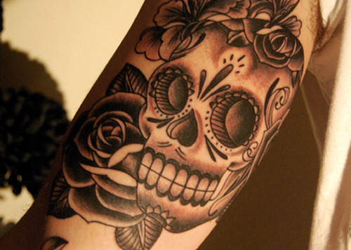 Want more tattoos, piercings, body mods, and hair? —-> http://modifiedglamour.tumblr.com All submissions welcome! :3