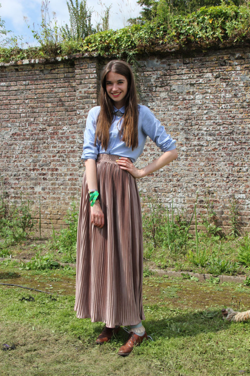 Shirt, pleats and brogues - did you say demure?