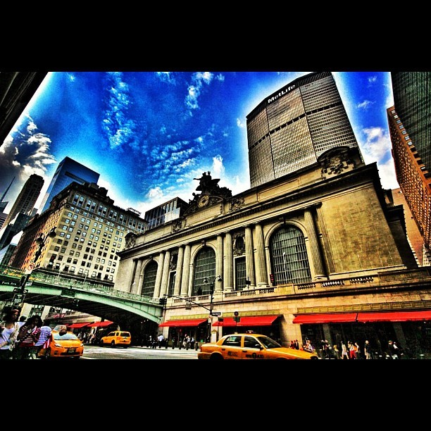 #grandcentral #metlifebuilding #midtown #manhattan #midtowneast #ny #nyc #newyorkcity #bestagram #bestoftheday #city #clouds #cloudy #k#followme #sky #summer #afternoon #photo #photopic #photooftheday #igers #insta #igdaily #ignation #instagood #instamood #iphonesia #thebigapple #webstagram #instagrammers #grandcentralterminal (Taken with Instagram at Grand Central Terminal)